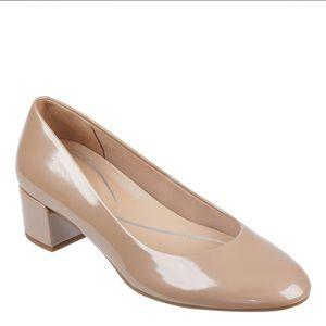 Easy Spirit   BNIB Comfy WIDE Ailene Patent Heels